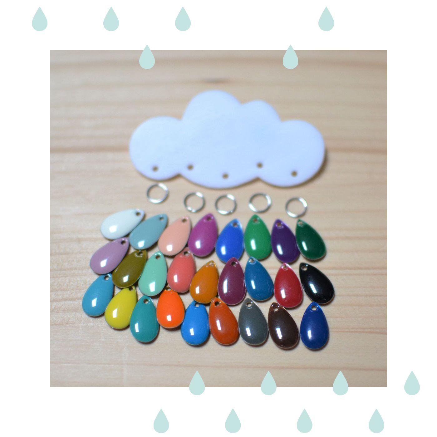 broche nuage blanc et gouttes émaillées multicolores