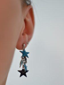 boucles d'oreilles étoilées portées