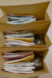 cadeaux zéro déchet : boules à thé personnalisées et lingettes démaquillantes réutilisabes