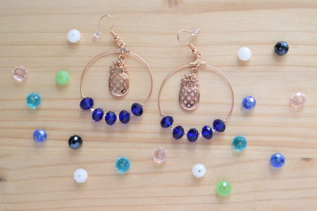 créoles ananas rose gold et perles bleu électrique