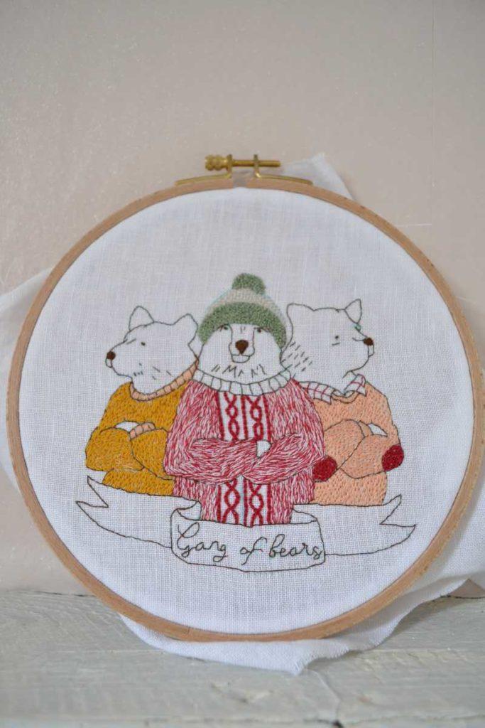 broderie réalisée d'après le modèle gang of bears