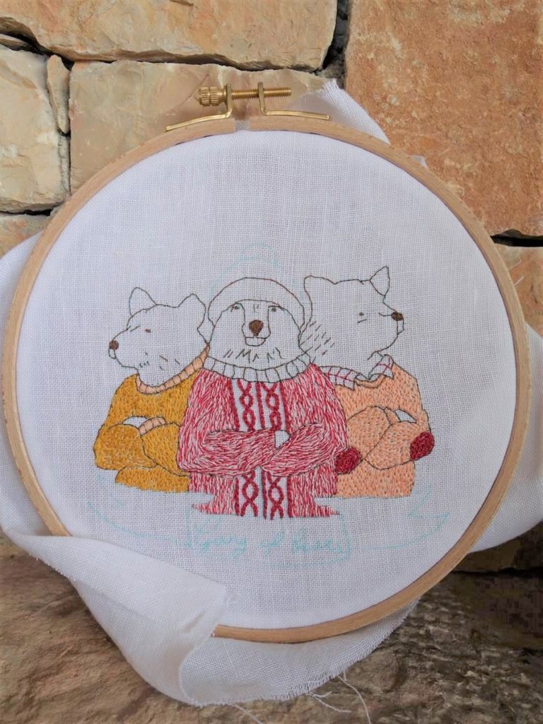 pulls ours terminés broderie gang of bears sur fond pierre