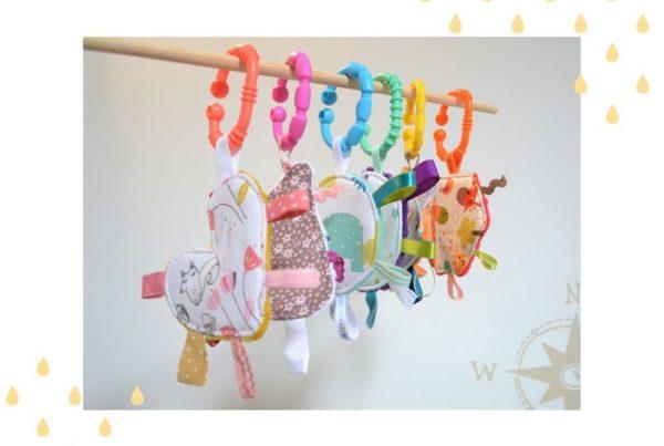Mini jouet d'éveil colorés
