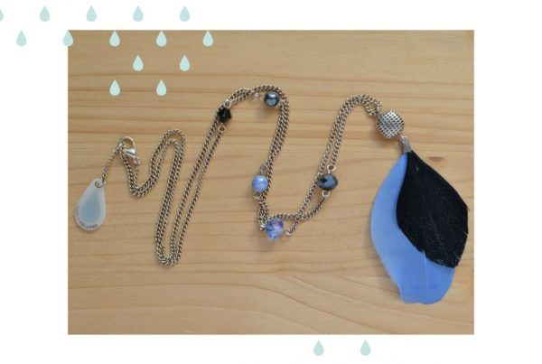 sautoir plume bleu et noir