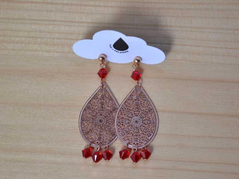 boucles d'oreille gouttes rose gold et perles rouges