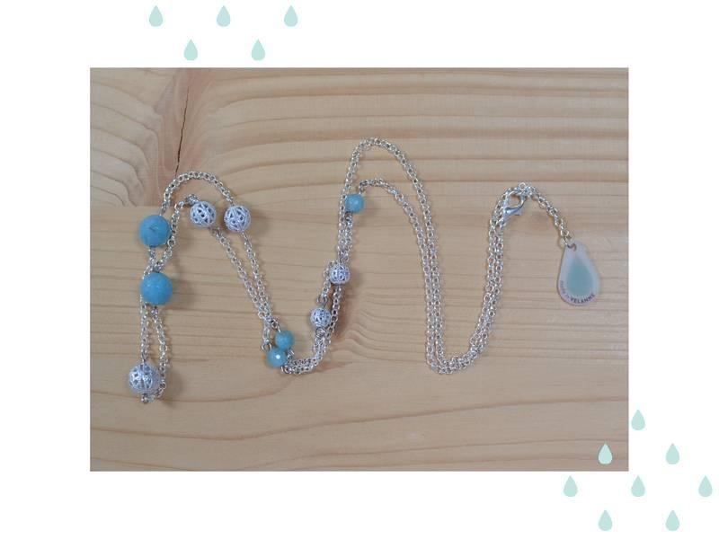 collier plastron argenté et quartz bleu