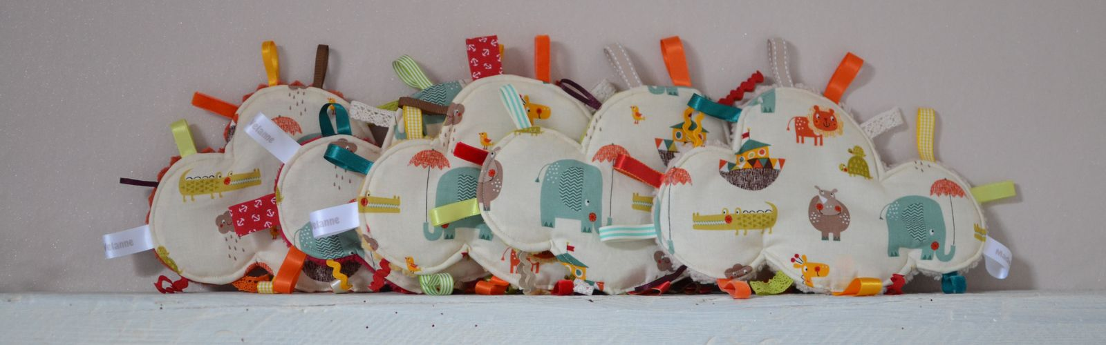 Collection de doudous étiquettes nuages tissu animaux colorés arche de Noé #DDM73