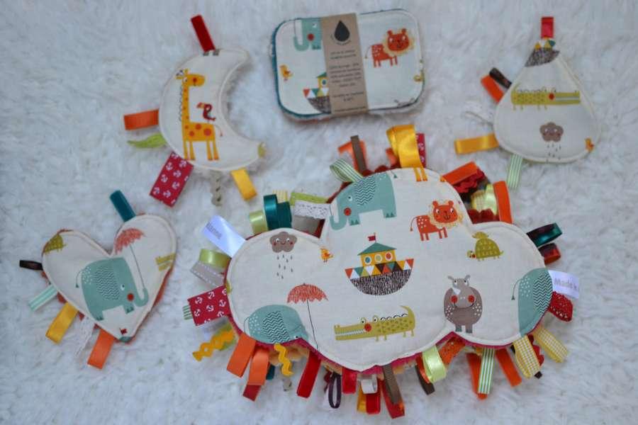 collection doudous étiquettes nuages, mini doudous et lingettes tissu animaux multicolores