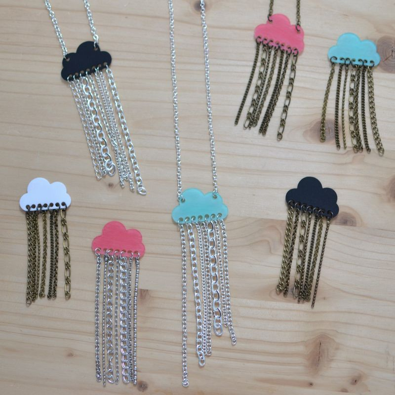 collection de bijoux nuages et pluie de chaînettes