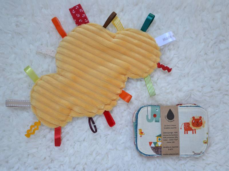 doudou étiquettes nuage jaune et lingettes lavables pour bébé