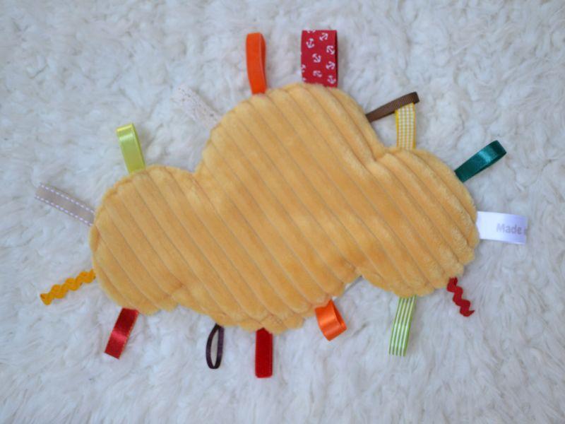 doudou étiquettes nuage jaune
