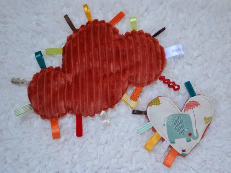 doudou étiquettes nuage rouille et mini doudou cœur