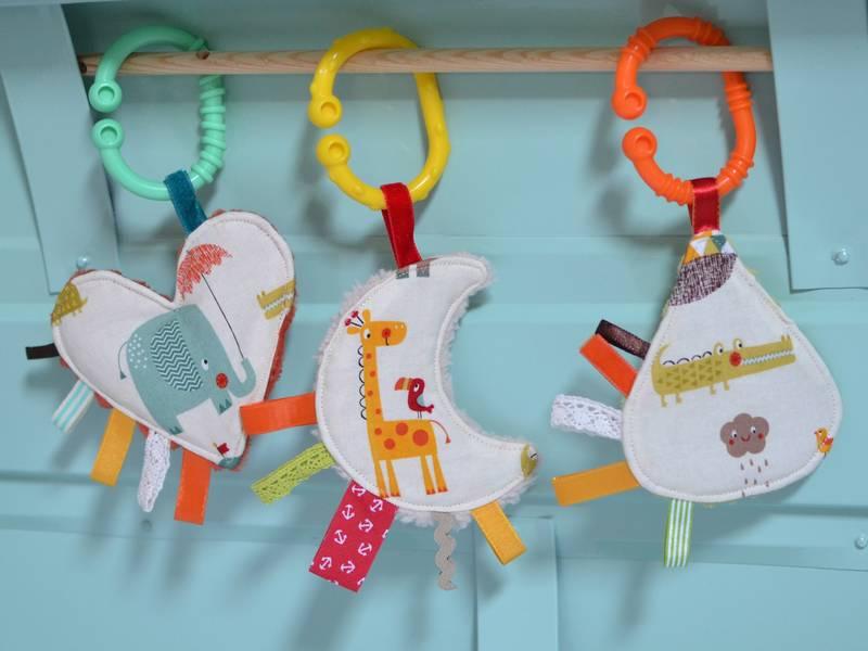 mini doudous étiquettes animaux multicolores
