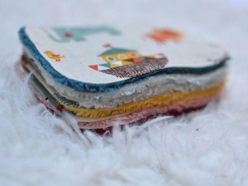 pile de lingettes animaux multicolores