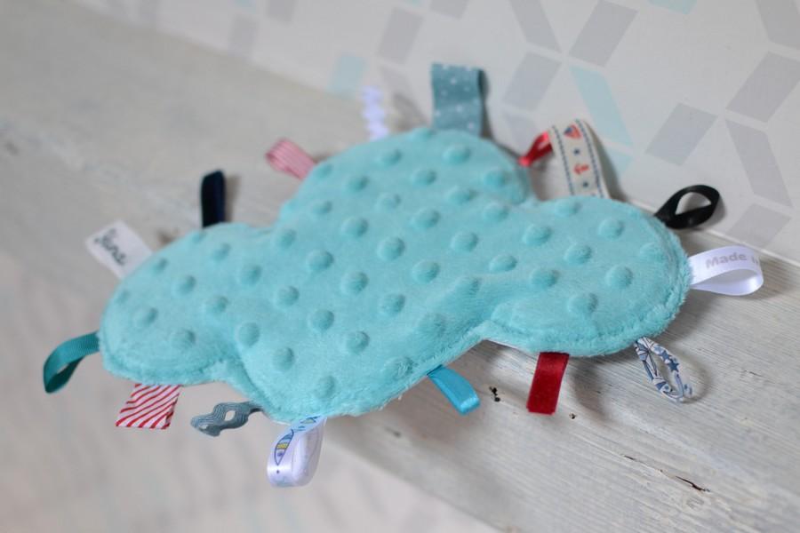 doudou étiquettes nuage minkee bleu clair