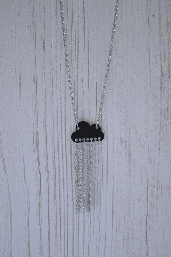 sautoir nuage noir et pluie de chaînettes