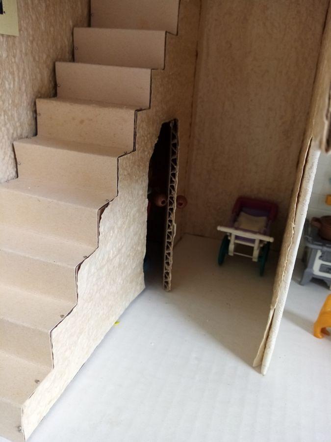 escalier et placard maison playmobil en carton