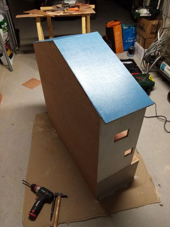 peinture maison playmobil en bois