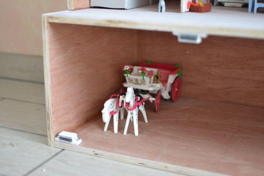 maison playmobil en bois ~ sous sol calèche